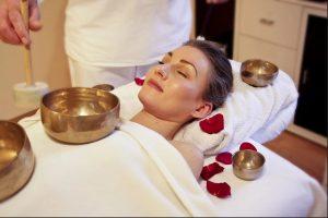 Le massage duo proposé par les salons de massage spécialisés procure de la détente, relaxation et lâcher-prise